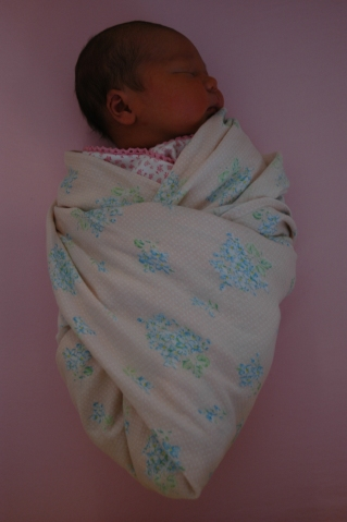 Natalie - 1 week olds 018