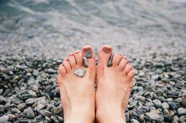 adult-feet-female-1274061